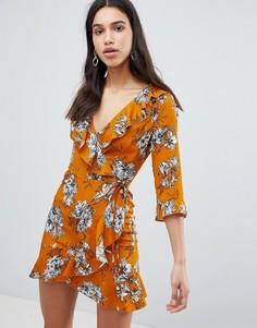 Платье с цветочным принтом и рукавами 3/4 Parisian - Желтый
