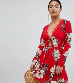 Платье с цветочным принтом Missguided Petite - Красный