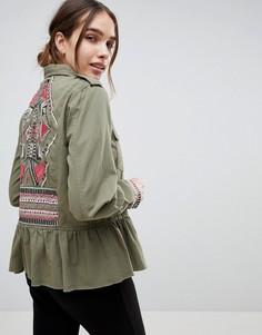 Куртка в стиле милитари с оборкой и вышивкой b.Young - Зеленый