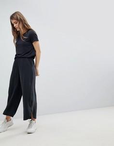 Укороченные брюки с широкими штанинами Weekday - Черный