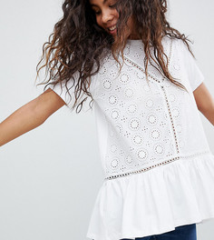 Свободная футболка с вышивкой ришелье и оборкой ASOS DESIGN Tall - Белый