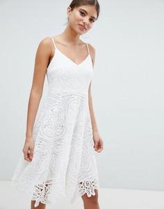 Кружевное приталенное платье Jessica Wright - Кремовый
