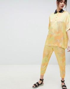 Суженные книзу брюки с принтом ASOS WHITE - Желтый