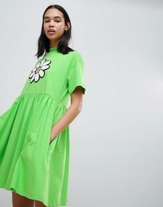 Платье с крупным принтом маргариток и присборенной отделкой Lazy Oaf - Зеленый