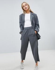 Широкие брюки в клетку Weekday - Черный