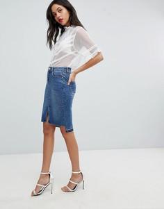 Джинсовая юбка-карандаш с асимметричными краями Lipsy - Синий