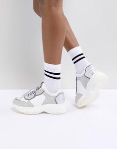 Белые с серым замшевые кроссовки Bronx - Белый