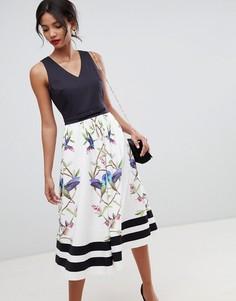 Платье с V-образным вырезом и расклешенной юбкой Ted Baker High Grove - Белый