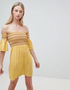 Платье с открытыми плечами и сборками Brave Soul Sunny - Белый