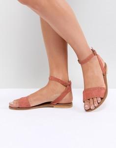 Кожаные сандалии с заклепками ASOS DESIGN Freja - Красный