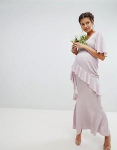Платье макси с рукавами клеш, оборкой и декорированным поясом ASOS DESIGN Maternity Bridesmaid - Розовый