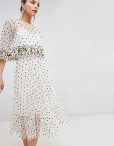 Платье миди с цветочной вышивкой на оборках и отделкой бисером ASOS DESIGN - Кремовый