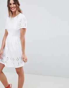 Короткое приталенное платье ASOS DESIGN - Белый