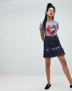Джинсовая мини-юбка с оборкой и вышивкой Love Moschino - Синий