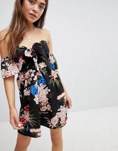 Короткое приталенное платье с открытыми плечами, цветочным принтом и бантом-завязкой Parisian - Черный