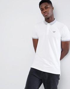 Белая футболка-поло с контрастным воротником и логотипом Hollister - Белый