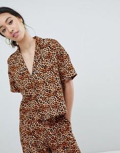 Короткая блузка с леопардовым принтом Monki - Мульти