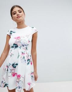 Короткое приталенное платье с цветочным принтом Jessica Wright - Белый