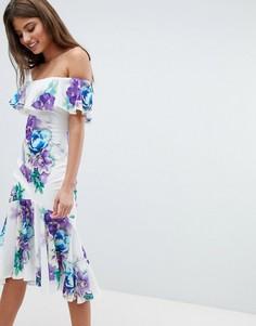 Платье с широким вырезом, цветочным принтом и оборками Jessica Wright - Белый