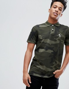 Облегающая футболка-поло с зеленым камуфляжным принтом Abercrombie & Fitch - Зеленый