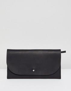 Кожаный кошелек с клапаном и заклепками ASOS DESIGN - Черный