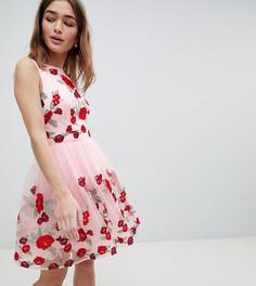 Платье миди с цветочной вышивкой Chi Chi London Petite - Розовый