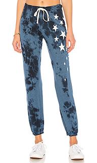 Свободные брюки scattered stars - SUNDRY