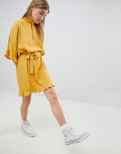Платье мини с высоким воротом и оборкой Nobodys Child - Желтый