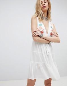 Платье с вышивкой в стиле бохо и глубоким вырезом Kiss The Sky - Кремовый