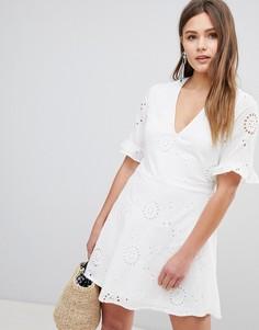 Приталенное платье с рукавами-оборками Parisian - Белый