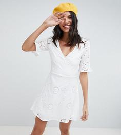 Короткое приталенное платье с вышивкой ришелье Parisian Tall - Белый
