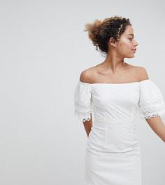 Белое платье А-силуэта с открытыми плечами и вышивкой ришелье Little Mistress petite - Белый