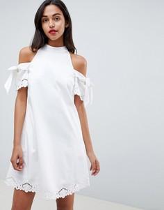 Платье с открытыми плечами и вышивкой Ted Baker - Белый