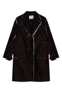 Черное пальто с принтом Prada