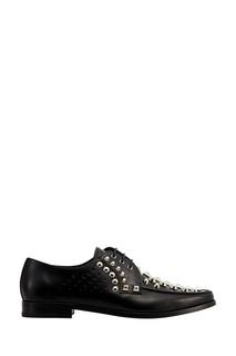 Туфли с серебристыми заклепками Prada