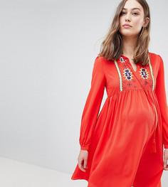 Свободное платье с вышивкой и кисточками на завязках Glamorous - Красный