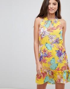 Короткое приталенное платье с цветочным принтом и завязкой на шее PrettyLittleThing - Желтый