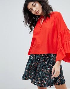 Красная рубашка с цветочным принтом и рукавами клеш Weekday - Красный