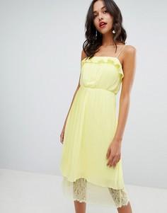 Плиссированное платье с кружевной отделкой по краю Vila - Желтый