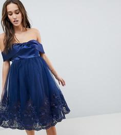 Платье миди с открытыми плечами, бантом и кружевом Chi Chi London Maternity - Темно-синий