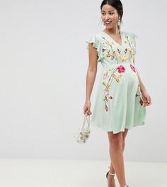 Короткое приталенное платье с вышивкой и рукавами клеш ASOS DESIGN Maternity - Мульти