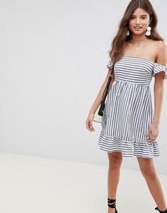 Платье в полоску с открытыми плечами и оборками ASOS DESIGN - Мульти