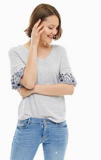Белая футболка в полоску с треугольным вырезом S.Oliver