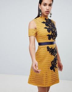 Кружевное короткое приталенное платье с вышивкой The 8th Sign - Желтый