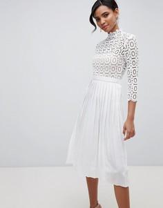Плиссированное платье миди с кружевным топом и рукавами 3/4 Little Mistress - Белый