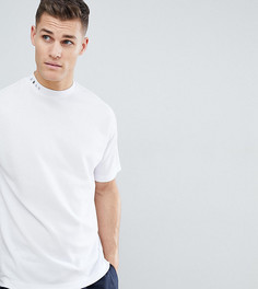 Белая футболка с высоким воротом и заниженной линией плеч Noak - Белый