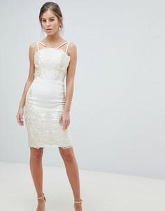 Платье-футляр миди для выпускного с кружевной отделкой Chi Chi London - Кремовый