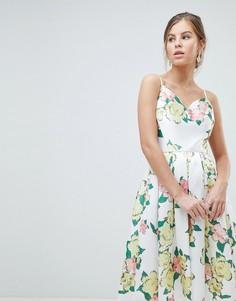 Платье миди для выпускного с крупным цветочным принтом Chi Chi London - Мульти