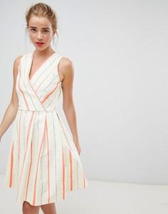 Короткое приталенное платье с запахом и контрастными полосками Closet London - Мульти