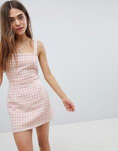 Платье на бретельках в клетку с поясом Nobodys Child - Розовый